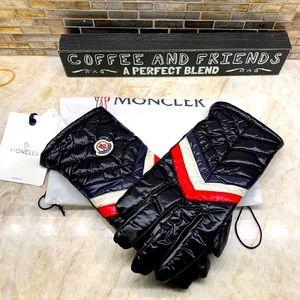 Moncler Black Logo Quilted Gloves